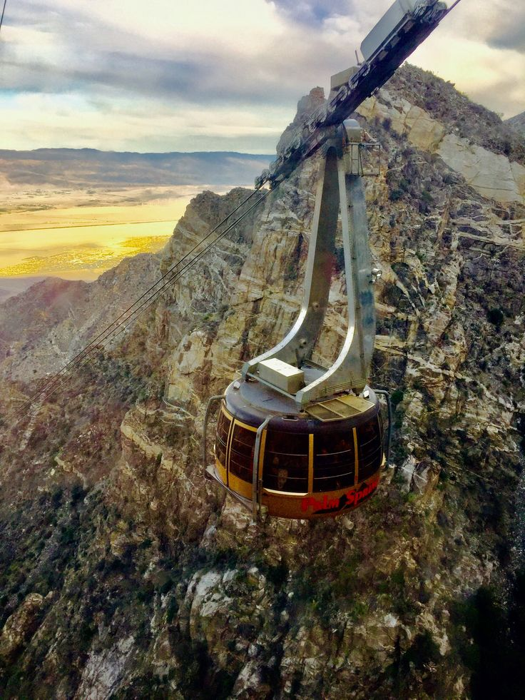 Palm Springs Aerial Tram From Desert Floor To Snow Capped Mountain Palm Springs Palm