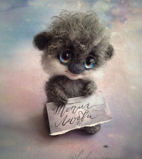 Needle felting project wool animal racoons (Via @ladyaromanova)