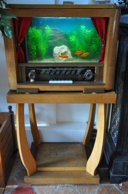 Radio aquarium petites ondes vous avez d tourn un for Cirer ou vernir un meuble