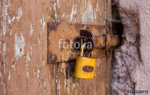 """Laden Sie das lizenzfreie Foto """"Abgeschlossen"""" von Photocreatief zum günstigen Preis auf Fotolia.com herunter. Stöbern Sie in unserer Bilddatenbank und finden Sie schnell das perfekte Stockfoto für Ihr Marketing-Projekt!"""