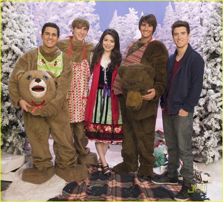Miranda Cosgrove big time christmas photos | Miranda Cosgrove Big Time Rush Christmas Wiki