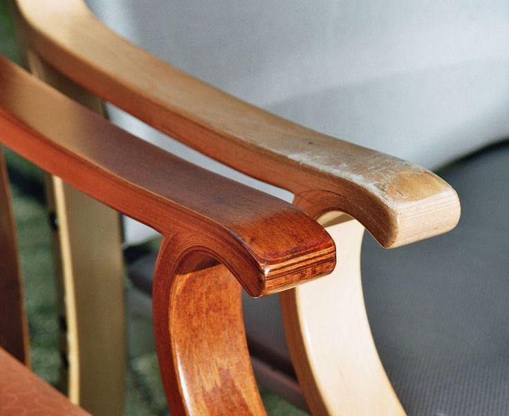 Restyling van houten zorgmeubilair? Twee vliegen in één klap: beschadigd hout geheeld en meteen een andere beitskleur. Een tweede leven! www.visionfurniture.nl  071-5226060
