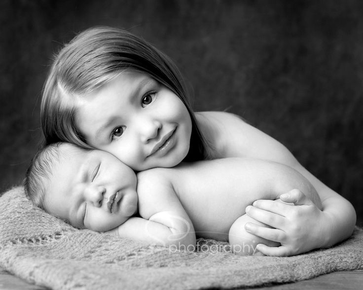 Fabulous posing - and posing a newborn with an older sibling is MUCH harder than it looks!