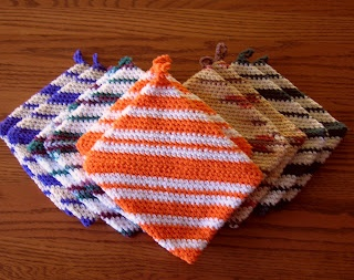 Crochet site: One Piece Crocheted Potholders