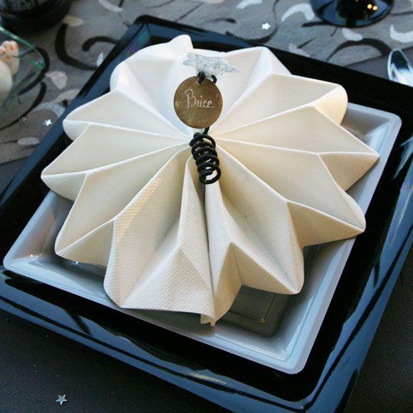 les 36 meilleures images du tableau pliage serviettes origami sur pinterest. Black Bedroom Furniture Sets. Home Design Ideas