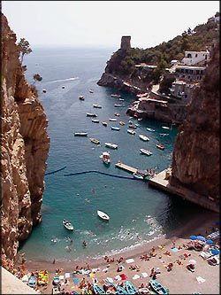 Marina di  Praia in Praiano (Amalfi Coast) 2005Beach Guide, Italy Beach, Amalfi Coast Italy Guide, Beautiful Places, Beach Holiday, Beach Amalfi, Amalfi Italy, Visit Italy, Coast Beach