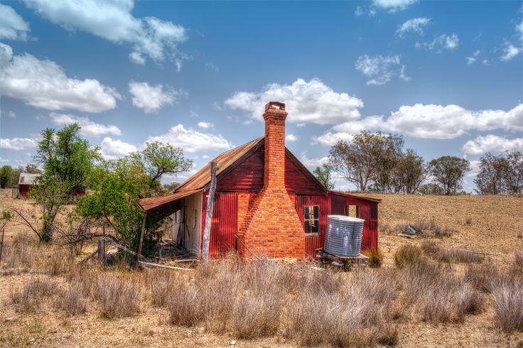 http://suggpix.com.au/wp-content/uploads/2014/12/OldHouse.jpg