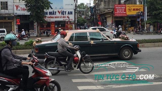 Rolls-Royce Silver Spirit Mark hóa thân thành xe dâu ở Hà Nội