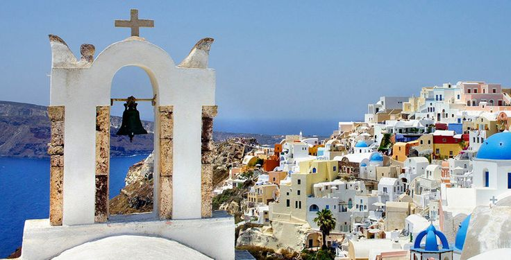 Entdecke Santorini mit seinen weissen Dörfern und den atemberaubenden Ausblicken auf die anderen Inseln und Strände mit kristallklarem Wasser!  Verbringe 3 bis 7 Nächte im 5-Sterne Hotel Santo Maris. Im Preis ab 1'045.- sind das Frühstück und der Flug inbegriffen.  Hier kannst du den Ferien Deal buchen: https://www.ich-brauche-ferien.ch/ferien-deal-santorini-mit-hotel-und-flug-fuer-nur-1045/