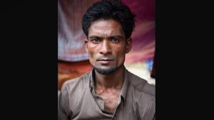 Berita Islam ! Pesan Seorang Pria Rohingya untuk Dunia... Bantu Share ! http://ift.tt/2gU4rL7 Pesan Seorang Pria Rohingya untuk Dunia  Mohammed Soye seorang pria Rohingya berusia 33 tahun. Ia berasal dari kota Buthidaung di Negara Bagian Rakhine Myanmar. Ia melarikan diri pada tanggal 31 Agustus 2017 untuk menyelamatkan diri dari ancaman pembunuhan dan penyiksaan militer Myanmar. Ia berbicara kepada Katie Arnold (Al Jazeera) di kamp pengungsi Unchi Prank di Chittagong Bangladesh.Saya adalah…