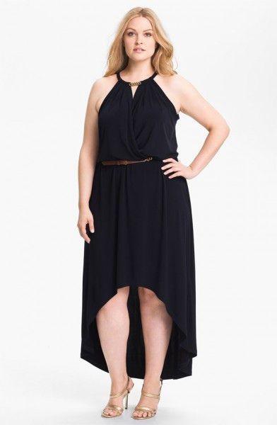(Foto 7 de 49) Original diseño en color negro con escote tipo halter y falda asimétrica. Modelo de MICHAEL Michael Kors., Galeria de fotos de Vestidos de Fiesta Cortos para Gorditas