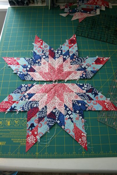 I've always wanted to learn how to make star quilts, and this tutorial is very well written and easy to follow