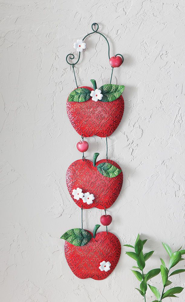 Apple Theme Kitchen Home Decor Triple Metal Apple Treat Wall Plaque