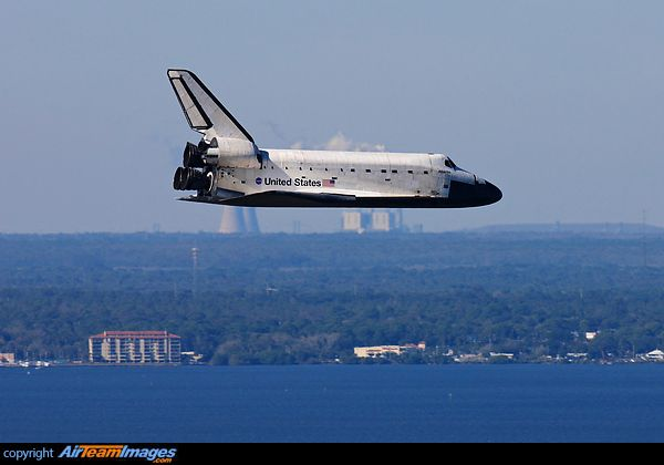 "Space shuttle orbiter ""Atlantis"" glides back to Earth. She is heading for the Shuttle Landing Facility at NASA-KSC and the conclusion of STS-129. STS-129 (ISS assembly flight ULF3 was a NASA Space Shuttle mission to the International Space Station (ISS). Atlantis was launched on November 16, 2009 at 14:28 EST and landed at 09:44 EST on November 27, 2009 on runway 33 at the Kennedy Space Center's Shuttle Landing Facility."