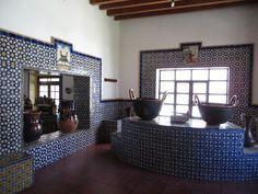 Cocina con recubrimiento de talabera Ex hacienda de Chautla Puebla
