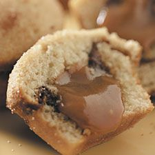 caramel-cinnamon meltdowns: Caramel Melted, Cinnamon Fillings, Caramel Cinnamon Muffins, Rich Cinnamon, Recipes Photocaramel Cinnamon, Photocaramel Cinnamon Meltdown, Caramelcinnamon Meltdown