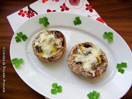 Ciuperci umplute cu legume şi brânzeturi -
