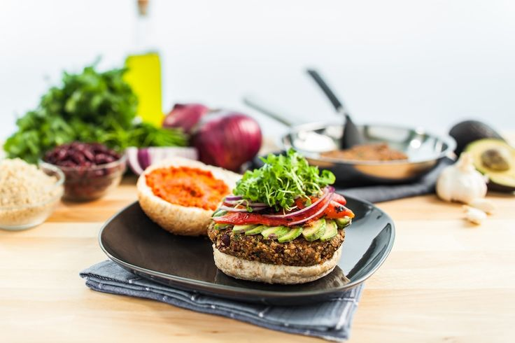 Thrive Forward Kitchen Edition recipe: Quinoa beanburger. #vegan #glutenfree