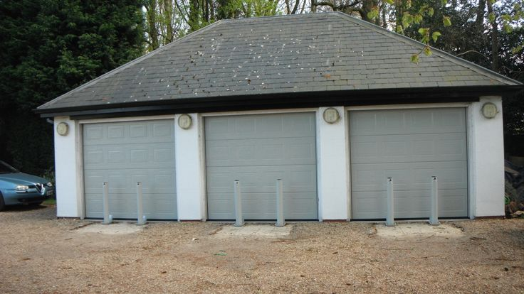 At Bespoke Gates and Garage Doors we always like to collect new ideas and inspiration in wood. http://www.bespokegatesandgaragedoors.co.uk/