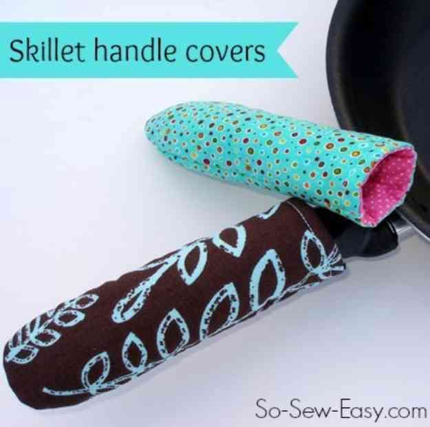 Sewing Patterns for Free | DIY Skillet Handle Cover at http://diyjoy.com/quick-sewing-projects-diy-ideas