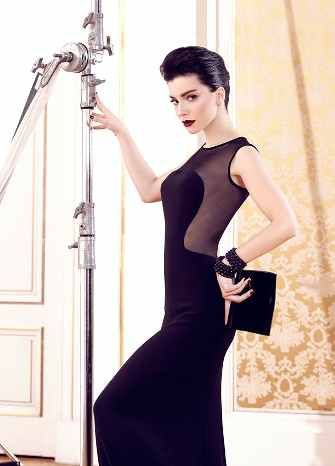 codentry & Merve BOLUĞUR Elbise Markafoni'de 199,90 TL yerine 149,99 TL! Satın almak için: http://www.markafoni.com/product/5074033/ #moda #mervebolugur #gothic #stil #siyah #trend #look #markafoni #fashion #celebrity #stylish #style #photoshoot