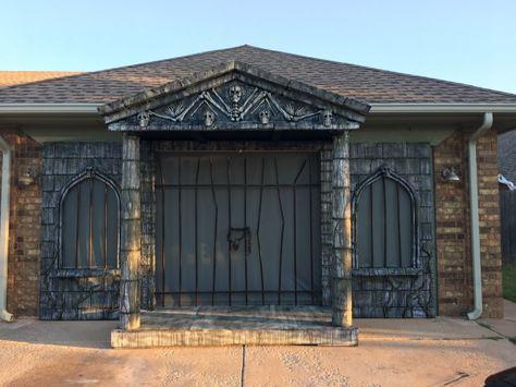 Garage door Mausoleum w/Rear Projection Screen~amazing! Halloween Forum member Donny Lizenbee