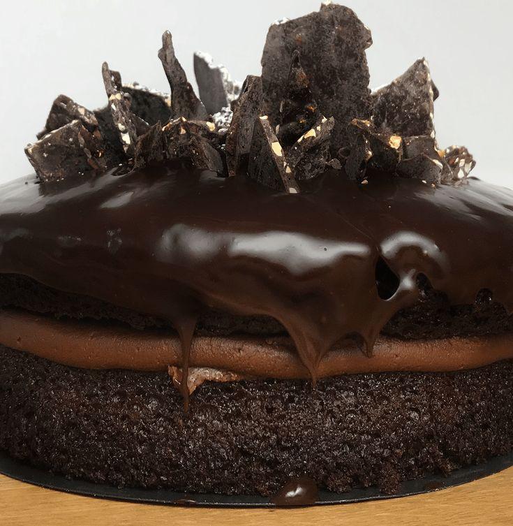 Ce gâteau au chocolat vegan est le meilleur que vous n'avais jamais goûter, c'est un pari. This vegan chocolate cake is the best you've ever tasted, that's a bet.