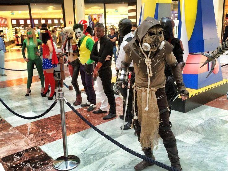 #Villain e #supereroi del #DCComics #Party davanti al mitico #Daitarn #spaventapasseri #joker #batman #duefacce #catwoman #gigliamo