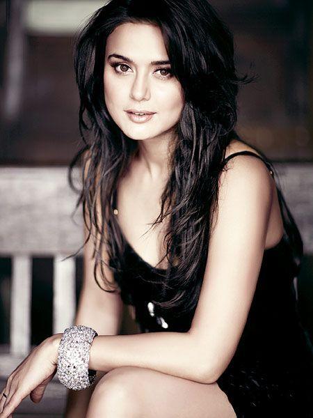 Bangle bling. #Preity #Bollywood: Bollywood Stars, Bollywood Actress, Bollywood Girl, Bollywood Celebrities, Preity Zinta, Zinta Bollywood, Bollywood ️ ️ ️ ️
