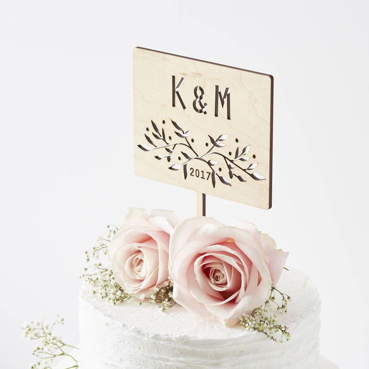 Are you interested in our Personalised Cake Topper? With our Botanical Cake Topper you need look no further.