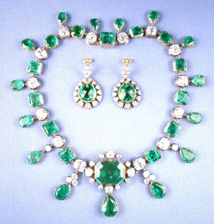 It's interesting to think of all the hands that touched a gem, and all the lives the gem has touched. The Catherine the Great emerald necklace is one of those famous gems that was touched by many famous hands and in turn,touched the lives of its owners