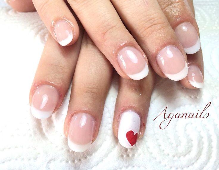 Ricopertura unghie naturali in acrilico. French col cuoricino in gel.   #unghie #nail #nails #gel #acrilico #ricopertura #fashion