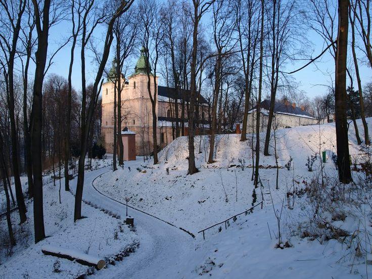 Dominikański #klasztor w Borku Starym zimą. #dominikanie #borekstary #winter