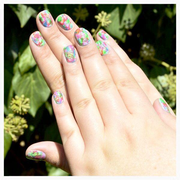 Uñas salpicadas, nail art