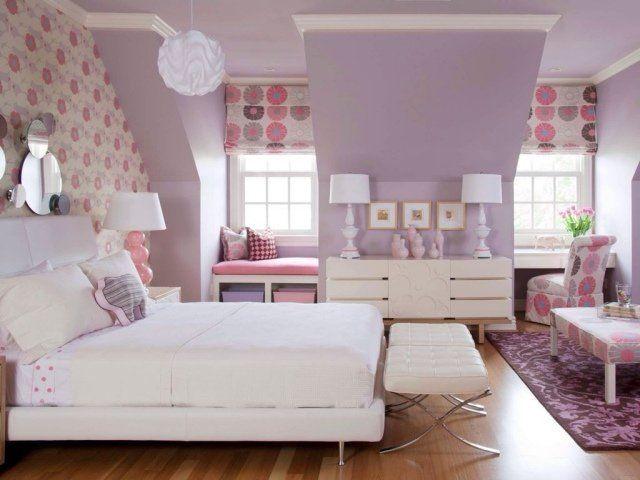 chambre à coucher féminine en lilas pastel, rose et blanc
