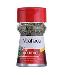 La albahaca es una planta de color verde oscuro, hojas suaves y de aroma intenso. Tiene un sabor parecido a la menta.  Es originaria de la India y se cultiva también en la región mediterránea. Hay cerca de 150 tipos de albahaca. Ideal para la cocina italiana y mediterránea, es un complemento perfecto del tomate.