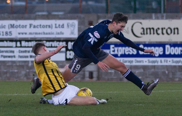Queen's Park's Dario Zanatta in action during the Ladbrokes League One game between East Fife and Queen's Park.