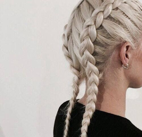 Owning it!  Practice makes perfect but dry shampoo helps a lot when styling! #COLAB #DryShampoo #BoxerBraids #Braids #HairInspo #ModelRecommends #BelieveTheHype  Available Superdrug feelunique.com BeautyMart UK Cloud 10 Beauty ASOS