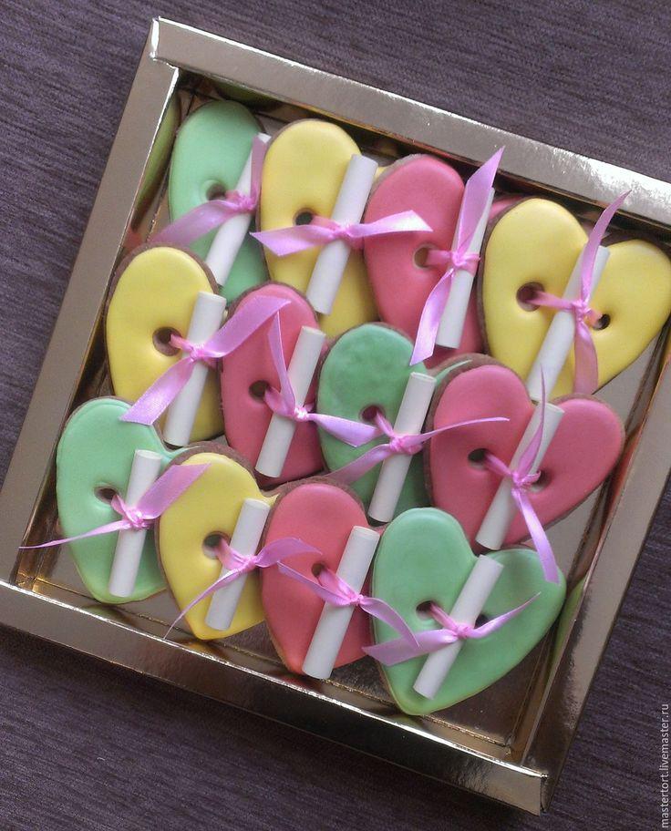 Купить Сердечки с пожеланиями - сердечки с предсказаниями, печенье с предсказаниями, подарок на девичник, подарок на новоселье