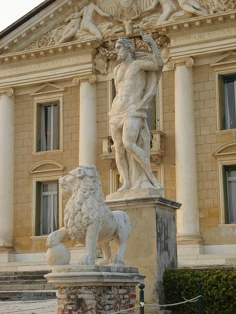In front of Villa Barbaro - Palladio                                                                                                                                                           In front of Villa Barbaro                                  ..
