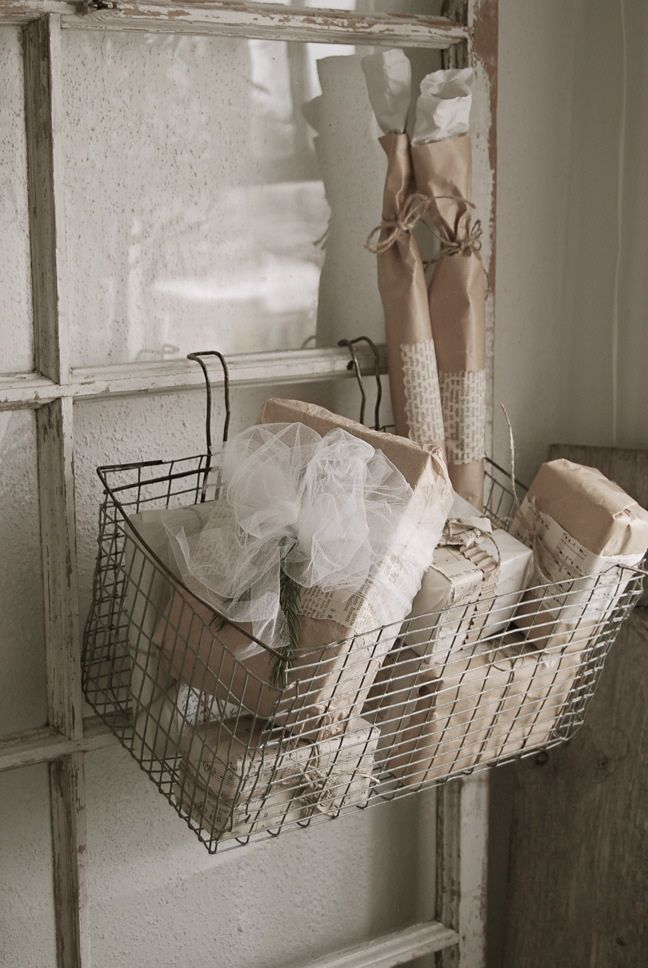 1000 images about uses for old ladders on pinterest for Bathroom decor ladder