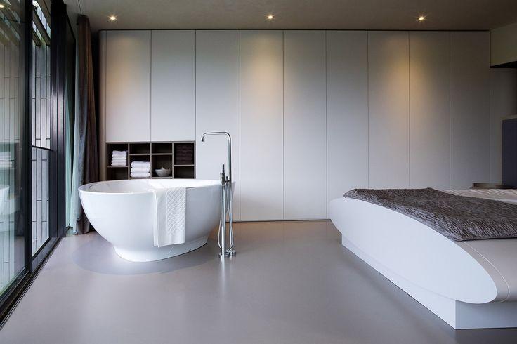 Soukromé pokoje mají vlastní koupelny, rodičovská je doplněna o mramorovou tureckou lázeň hammam.