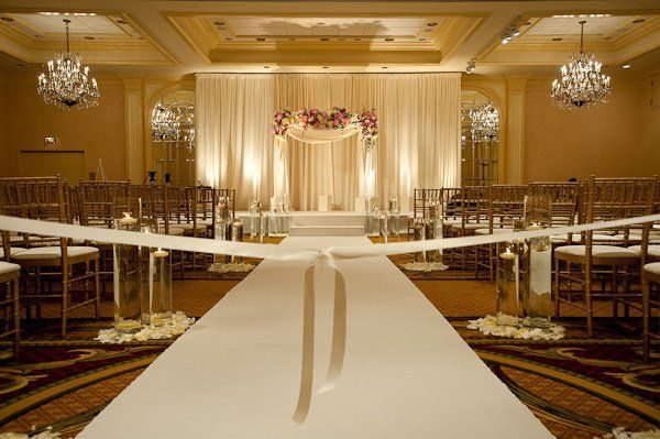 All White Indoor Wedding Ceremony Site: Best 20+ Indoor Ceremony Ideas On Pinterest