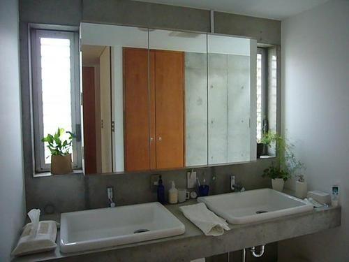 洗面脱衣室(中庭と坪庭のある家)- その他事例|SUVACO(スバコ)