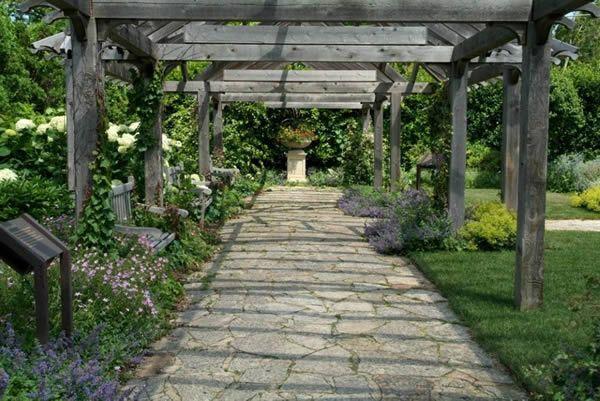 "Landscape design inspiration for the ""Classic Formal"" scheme: The Paine Estate Pergola Garden"