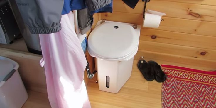 Composting toilet tour in houseboat composting toilet