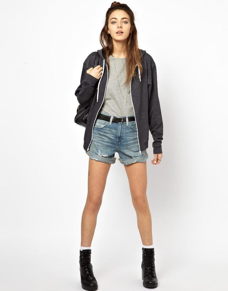 Levis | Levi's – Jeansshorts im Used-Look mit hoher Taille bei ASOS