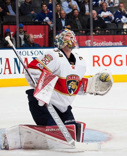 TORONTO, ON - MARCH 28: James Reimer #34 of the Florida Panthers follows the puck during the second period against the Toronto Maple Leafs at the Air Canada Centre on March 28, 2017 in Toronto, Ontario, Canada. (Photo by Kevin Sousa/NHLI via Getty Images)