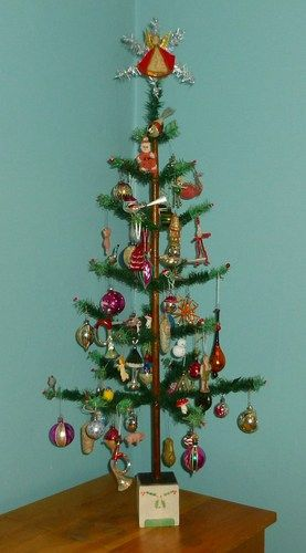 "ANTIQUE VINTAGE 38"" TALL GOOSE FEATHER CHRISTMAS TREE & 94 DECORATIONS"