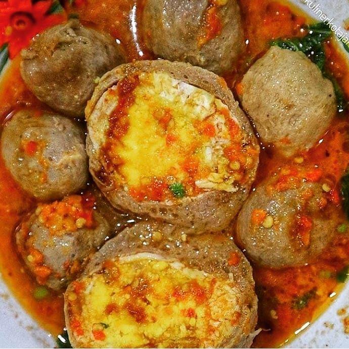 Bakso Pedesssss Mercon Telorrrr Vs Bakso Halus Kerikil Tahu Bakso Jumbo Vs Bakso Halus Bakso Pedesssss Mercon Telorrrr Vs Food Indonesian Food Food To Go